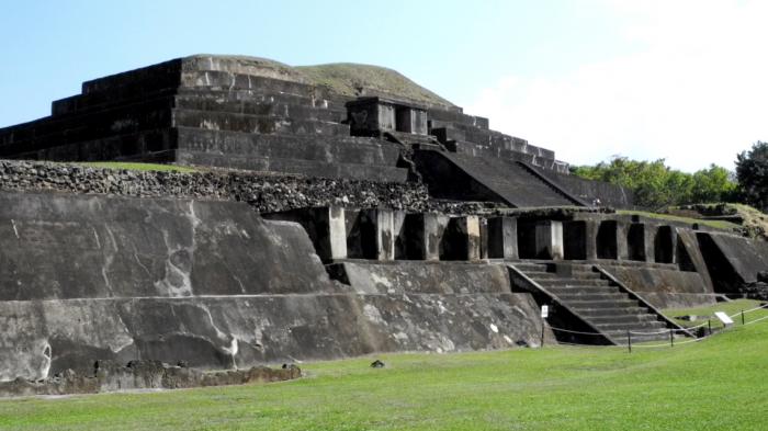 Tazumal_Mayan_Ruins_El_Salvador_Central_America
