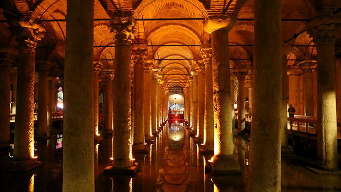Basilica_Cistern_Istanbul_Turkey