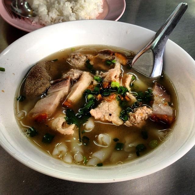 Bangkok_Thailand_Duck_Noodles