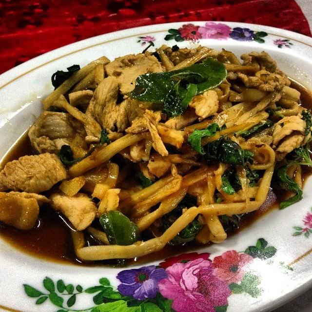 Khao_Yai_National_Park_Thailand_Chicken_Noodles