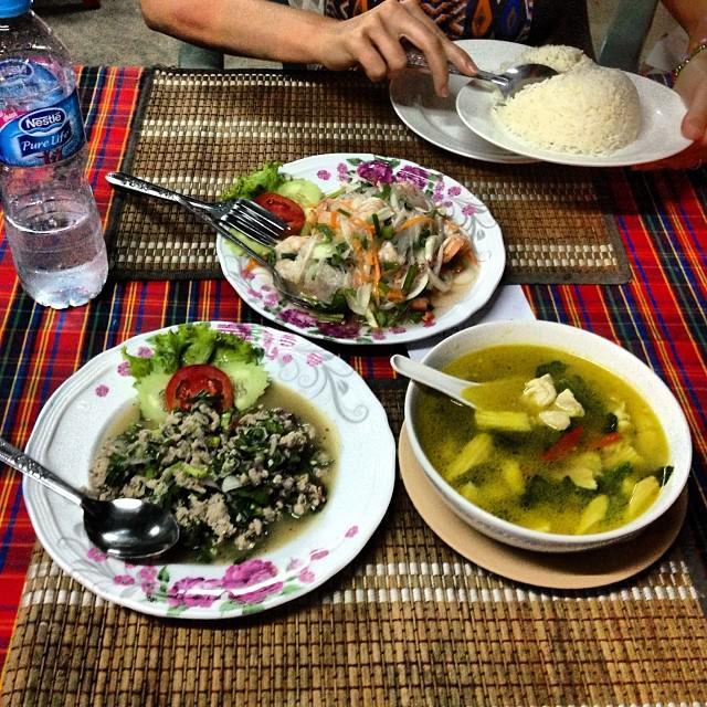 Ko_Lanta_Thailand_Seafood_Noodles