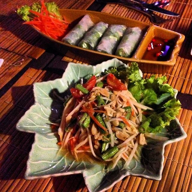 Ko_Lanta_Thailand_Veggy_Roles_Papaya_Salad_Lalaanta_Hideaway