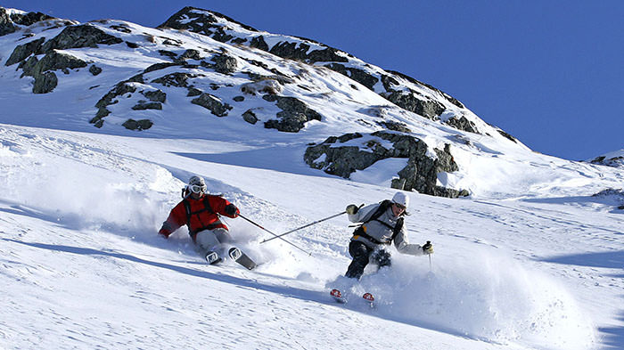 Skiing_France_Europe