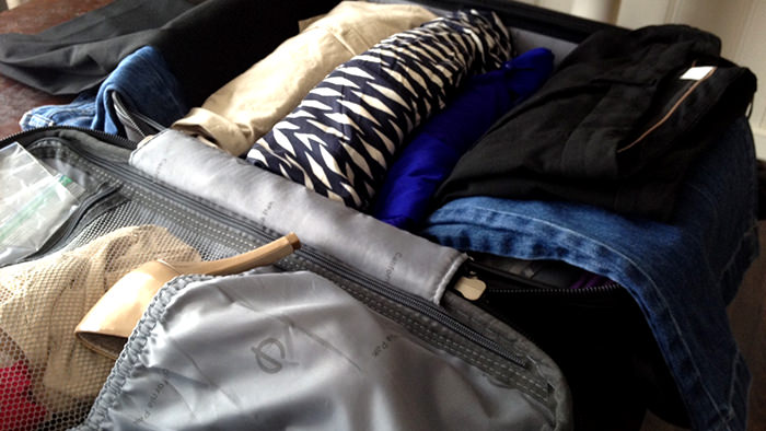 Packing_clothes_davidsbeehere