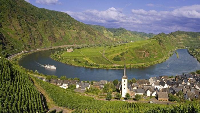 Rhine-River-Davidsbeenhere