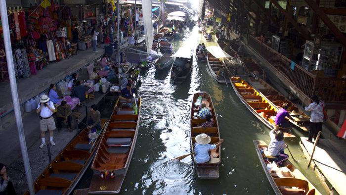 boats-damnoen-floating-market-thailand-davidsbeenhere