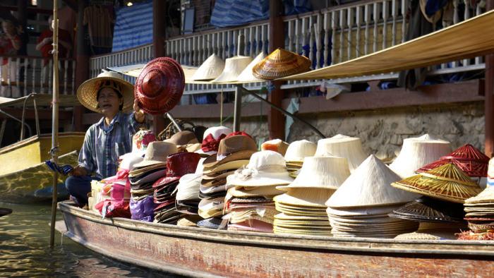 damnoen-floating-market-hats-thailand-davidsbeenhere