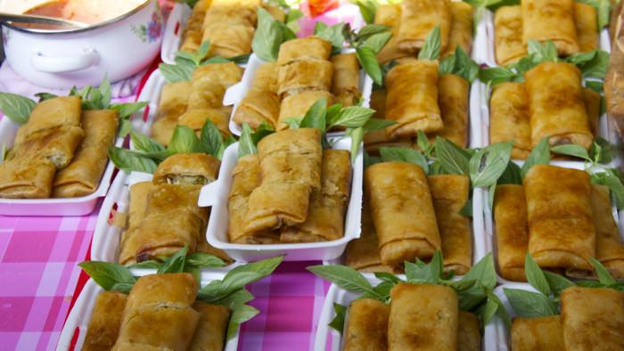 spring-rolls-damnoen-floating-market-thailand-davidsbeenhere