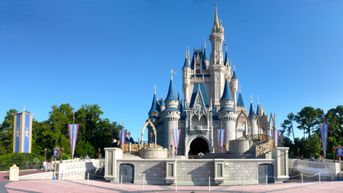 Magic_Kingdom_Cinderella_Castle_davidsbeenhere