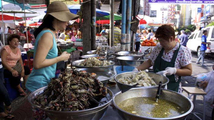 bangkok-chinatown-market-seafood-thailand-davidsbeenhere