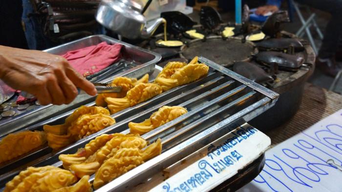 pancakes-chiang-rai-night-market-thailand-davidsbeenhere