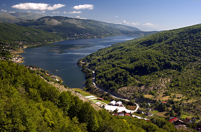10_place_you_must_visit_in_Macedonia_Mavrovo2