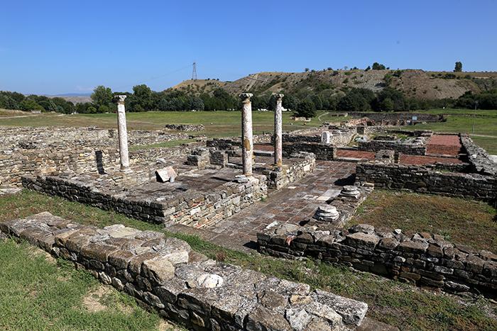 10_place_you_must_visit_in_Macedonia_Stobi5