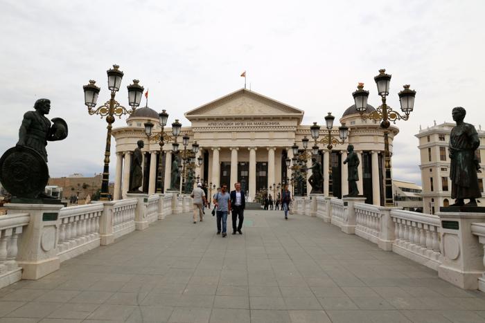arts-bridge-skopje-macedonia-davidsbeenhere