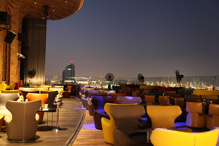 Top_Things_to_see_and_do_in_doha_Qatar_Sky_View_Bar2