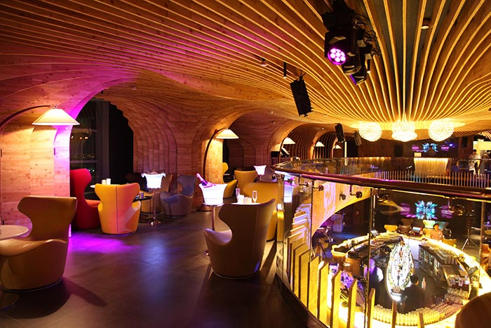 Top_Things_to_see_and_do_in_doha_Qatar_Sky_View_Bar3