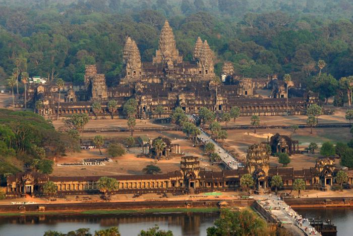 angkor-wat-cambodia-davidsbeenhere