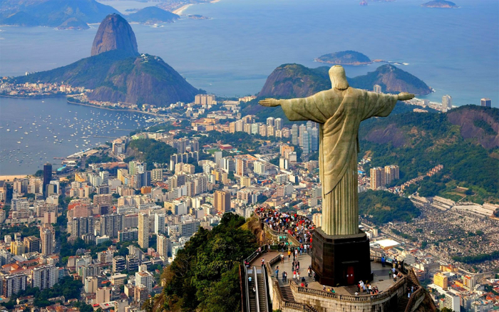 christ-redeemer-statue-rio-de-janeiro-brazil-davidsbeenhere