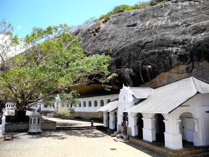 dambulla-cave-temple-sri-lanka-davidsbeenhere-1