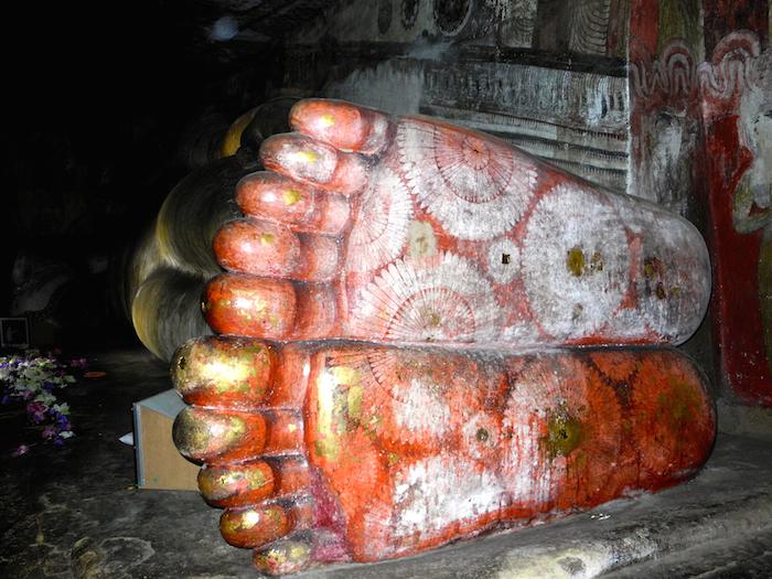 dambulla-cave-temple-sri-lanka-davidsbeenhere-2
