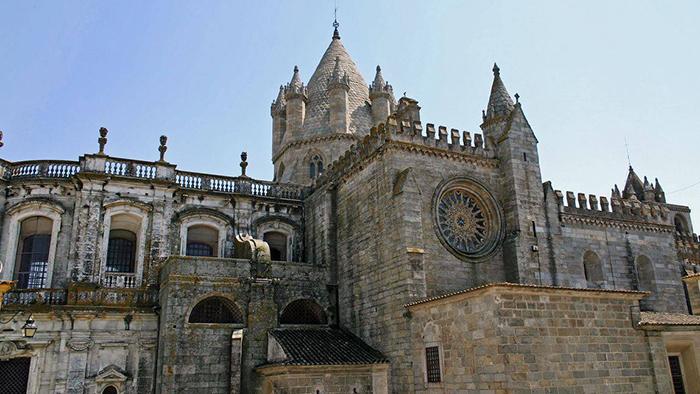 Évora Cathedral_Portugal_Davidsbeenhere