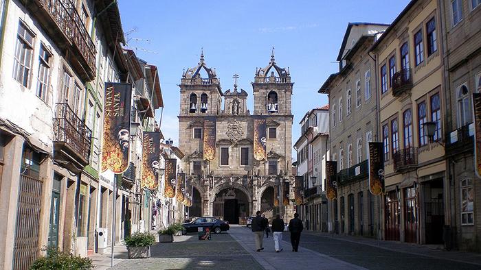 Braga_Cathedral_Portugal_Davidsbeenhere2