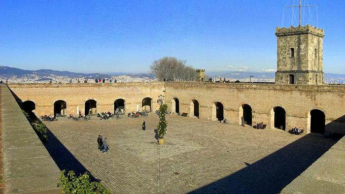 Montjuïc_Castle_Barcelona_Catalunya_Spain_Europe_Davidsbeenhere