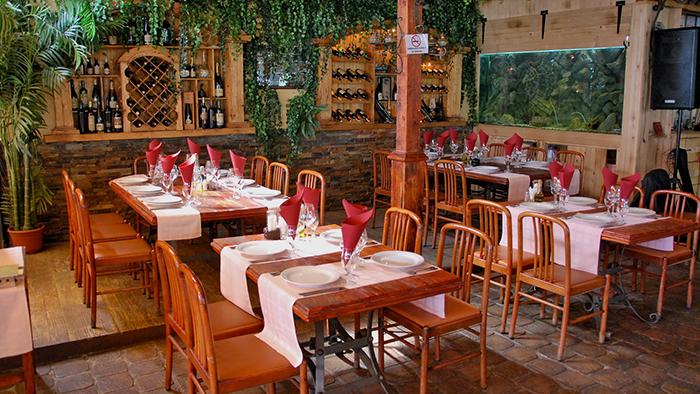 Porto_Restaurant_Budva_Montenegro_Davidsbeenhere
