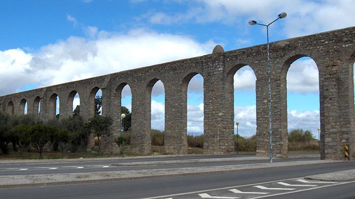 Silver Water Roman Aqueduct_Evora_Portgual_Davidsbeenhere2