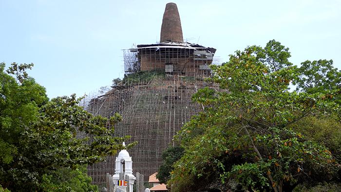 Abhayagiri_Vihara_Monastery_Anuradhapura_SriLanka_Asia_Davidsbeenher3