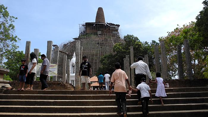 Abhayagiri_Vihara_Monastery_Anuradhapura_SriLanka_Asia_Davidsbeenhere