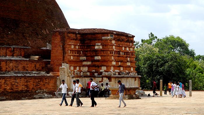 Jetavanaramaya_Stupa_Adnuradhapure_SriLanka_Asia_Davidsbeenhere3