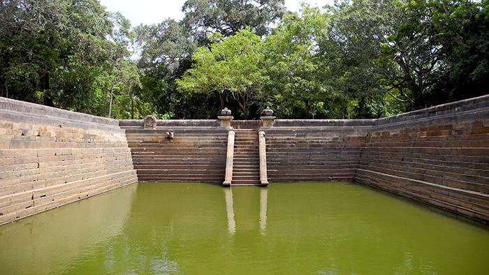 Kuttam_Pokuna_Anuradhapura_SriLanka_Asia_Davidsbeenhere