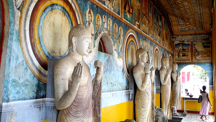 Ruwanwelisa_a_Stupa_Anuradhapure_SriLanka_Asia_Davidsbeenhere3