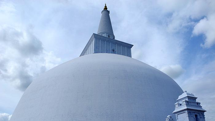 Ruwanwelisa_a_Stupa_Anuradhapure_SriLanka_Asia_Davidsbeenhere4
