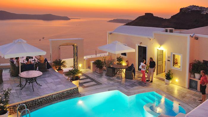 Best_Boutique_Hotels_in_Santorini_Greece_Europe_Davidsbeenhere3