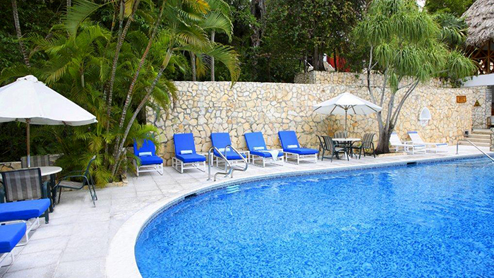 Best_Hotels_to_Stay_near_Tikal,_Guatemala_Davidsbeenhere3