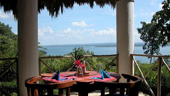 Best_Hotels_to_Stay_near_Tikal,_Guatemala_Davidsbeenhere5