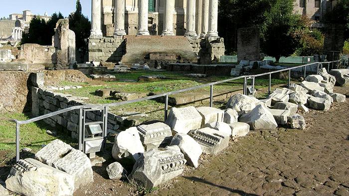 Roman_Ruins_of_Rome_Italy_Europe_Davidsbeenhere18